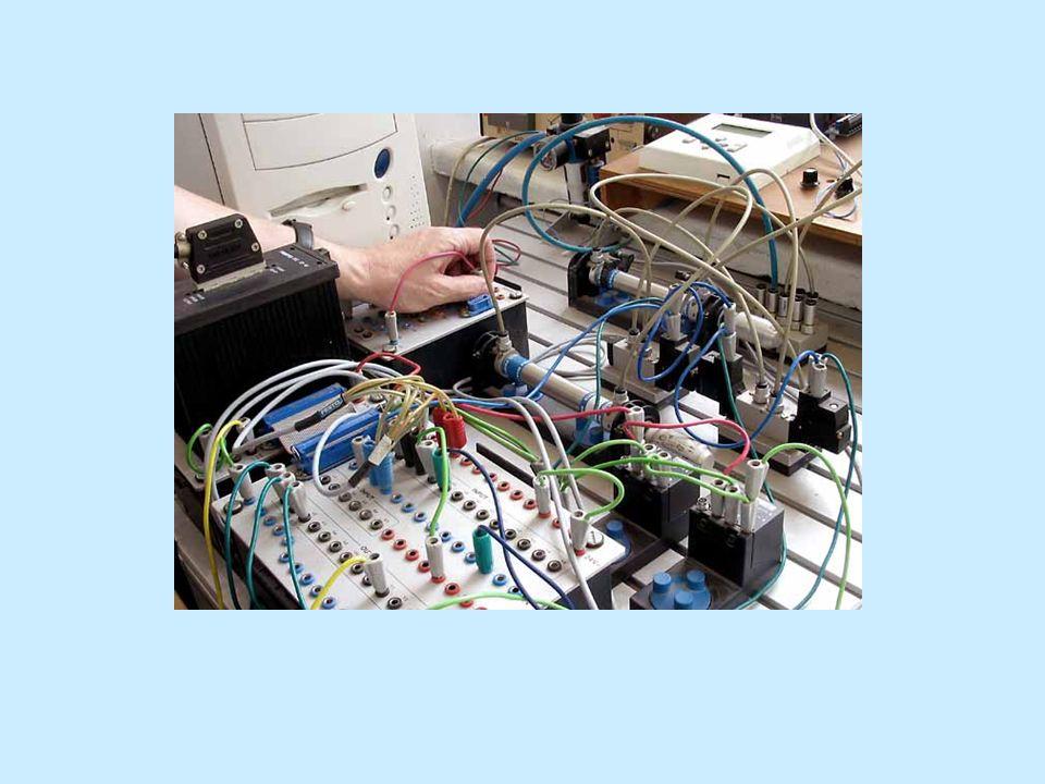 Przykładowe tematy prac dyplomowych Komputerowy system sterowania budynkiem inteligentnym Systemy poczty pneumatycznej Zastosowanie sieci optycznych w monitorowaniu środowiska Rozproszone sterowanie siecią wodociągową Rozproszona sieć sterowników PLC z komunikacją przez intersieć.