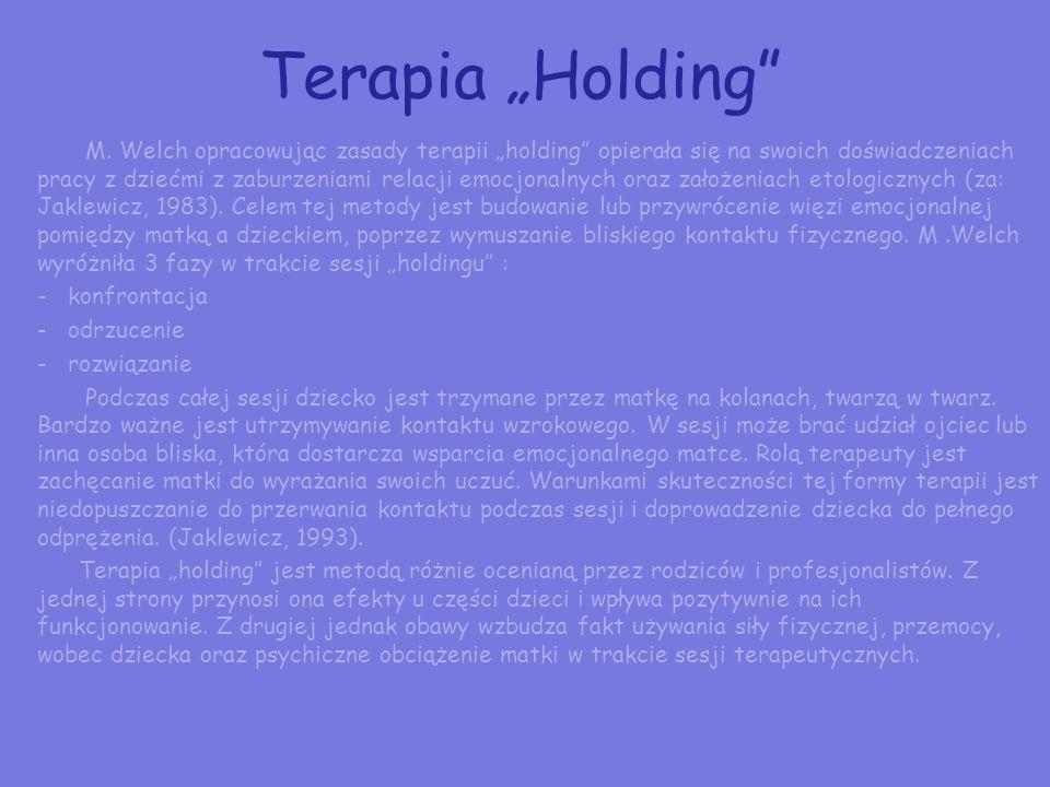 Terapia zaburzeń sensorycznych w autyzmie Terapię zaburzeń sensorycznych należy traktować jako terapię podstawową (Delacato nazywa ją przetwarzaniem, 1995).