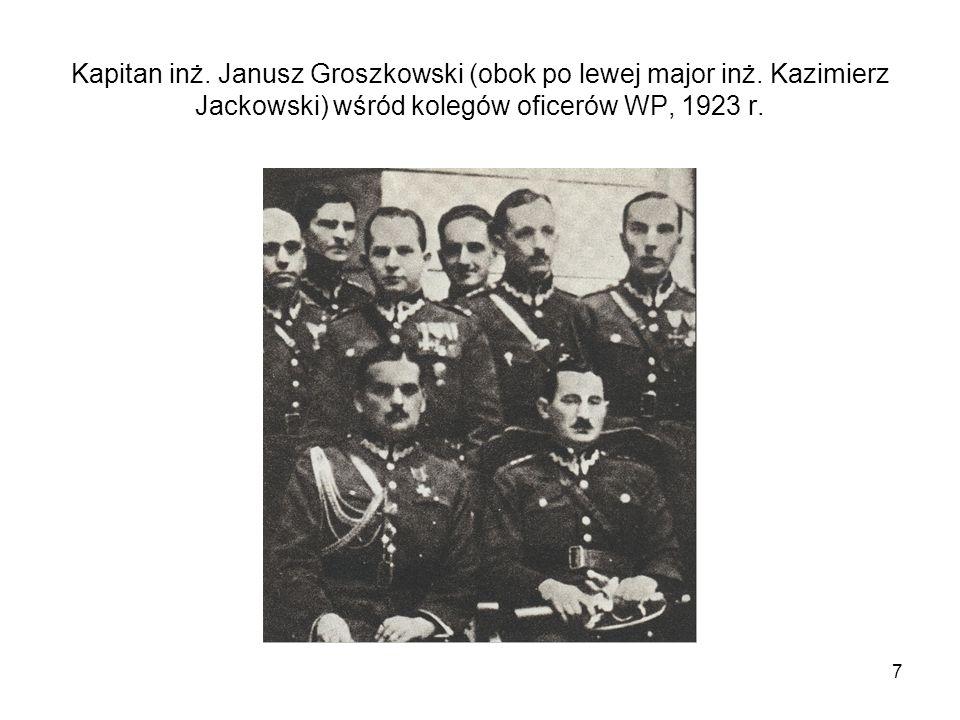 7 Kapitan inż. Janusz Groszkowski (obok po lewej major inż. Kazimierz Jackowski) wśród kolegów oficerów WP, 1923 r.