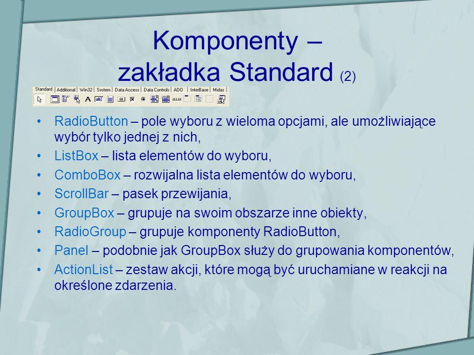 Przykładowy program (3) Uwagi do programu: –zmianę właściwości z poziomu kodu można spowodować poprzez wyrażenie : nazwaKomponentu->nazwaWlasciwosci = wartosc; przykładem była zmiana koloru formularza poprzez instrukcję mainForm->Color = clRed; –niektóre kolory w BCB są predefiniowane tzn.