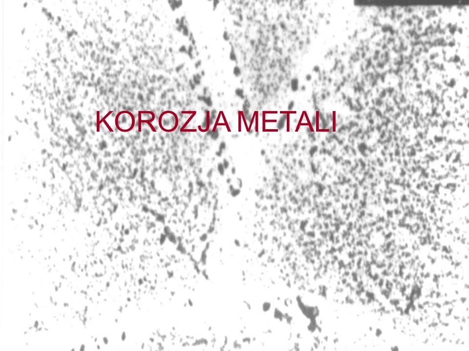 KOROZJA ELEKTROCHEMICZNA lokalna: makroogniwo galwaniczne typu metal-metal Korozja rury stalowej przy łączniku ze stopu miedzi w wyniku różnego składu chemicznego połączonych materiałów korozja rura stalowa (anoda) rura stalowa (anoda) Łącznik z brązu (katoda) ------ ------ ++++++++ ++++++++