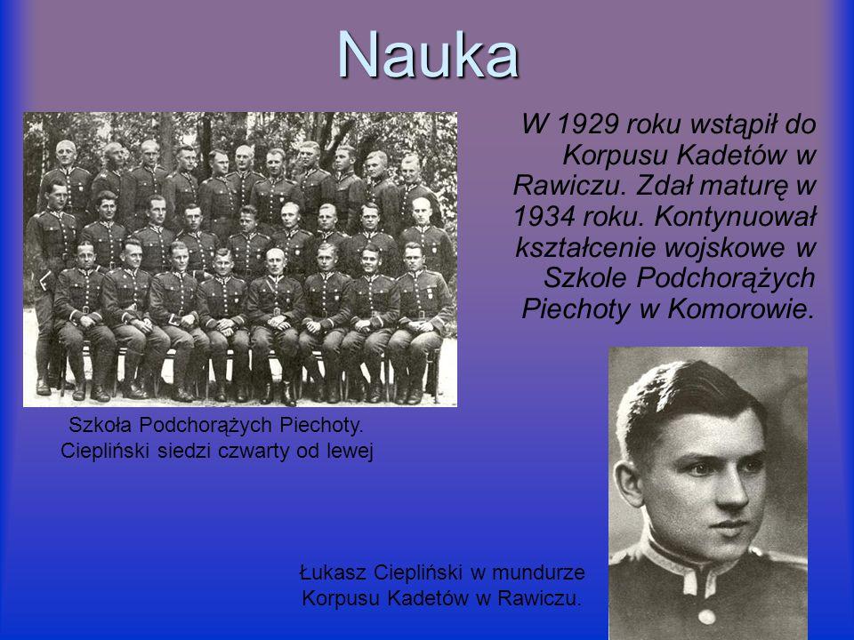 Nauka W 1929 roku wstąpił do Korpusu Kadetów w Rawiczu. Zdał maturę w 1934 roku. Kontynuował kształcenie wojskowe w Szkole Podchorążych Piechoty w Kom