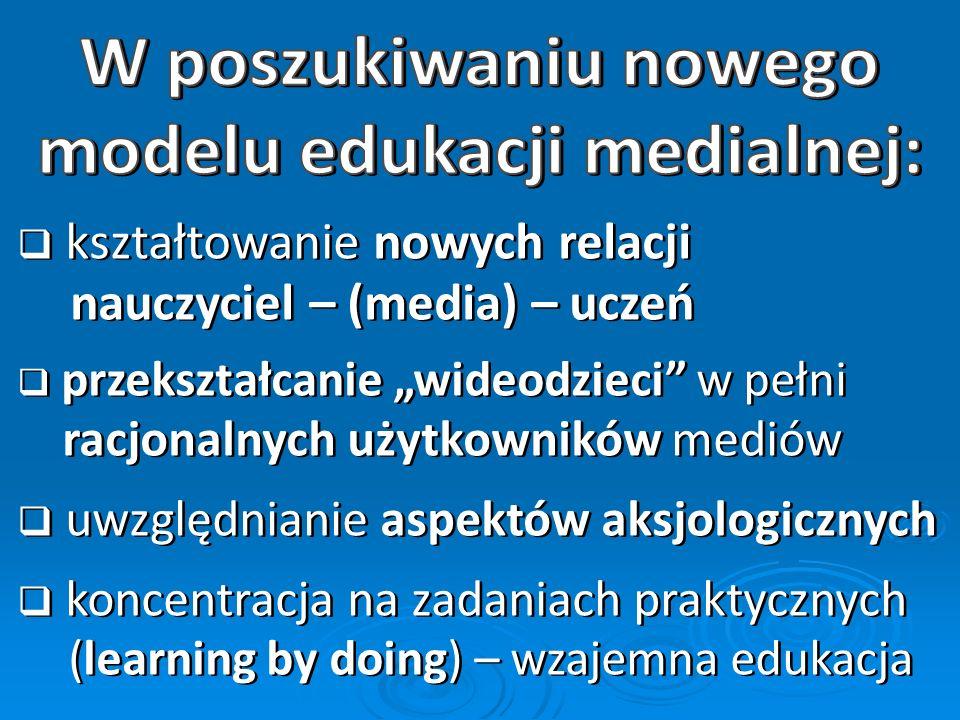 brak edukacji medialnej (sic!) edukacja informatyczna (podejście narzędziowe) integracja EI i EM brak edukacji medialnej (sic!) edukacja informatyczna