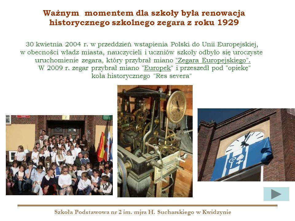 Szkoła Podstawowa nr 2 im. mjra H. Sucharskiego w Kwidzynie 30 kwietnia 2004 r. w przeddzień wstąpienia Polski do Unii Europejskiej, w obecności władz