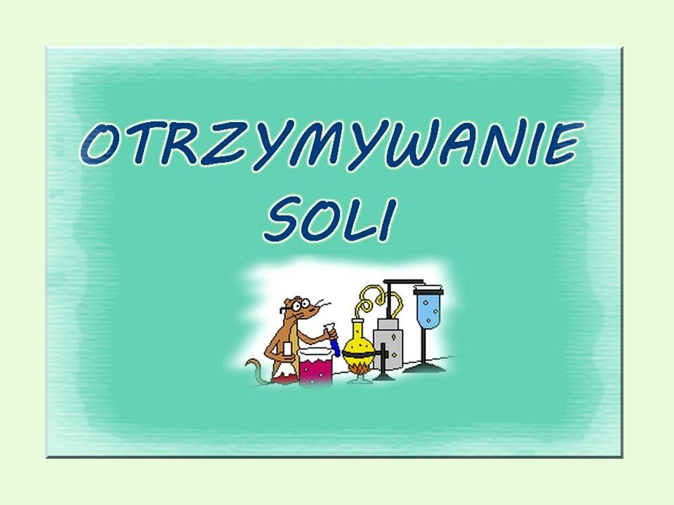 Spis treści Pojęcie soli Podział soli Ważniejsze kwasy – wartościowość reszt i nazewnictwo ich soli Aktywność metali Otrzymywanie soli 1.reakcja metalu z kwasemreakcja metalu z kwasem 2.reakcja wodorotlenku z kwasemreakcja wodorotlenku z kwasem 3.reakcja tlenku metalu z kwasemreakcja tlenku metalu z kwasem 4.reakcja wodorotlenku z tlenkiem kwasowymreakcja wodorotlenku z tlenkiem kwasowym 5.reakcja tlenku metalu z tlenkiem niemetalureakcja tlenku metalu z tlenkiem niemetalu 6.reakcja metalu z niemetalemreakcja metalu z niemetalem 7.reakcja soli z kwasemreakcja soli z kwasem 8.reakcja metalu z soląreakcja metalu z solą 9.reakcja wodorotlenku z soląreakcja wodorotlenku z solą 10.reakcja soli z soląreakcja soli z solą 11.inne metody otrzymywania soliinne metody otrzymywania soli Podsumowanie