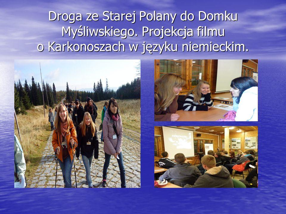 Droga ze Starej Polany do Domku Myśliwskiego. Projekcja filmu o Karkonoszach w języku niemieckim.