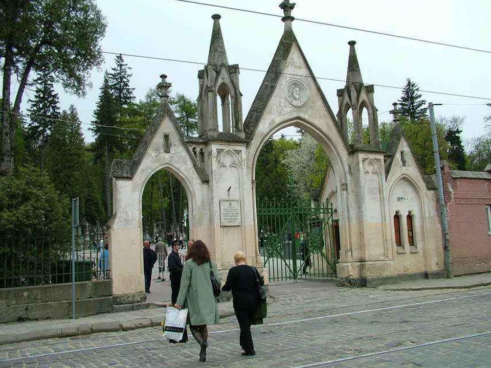 Jeśli chcesz poznać historię miasta czy ziemi, idź na cmentarze.... Andrzej Kurylewicz – Polskie drogi