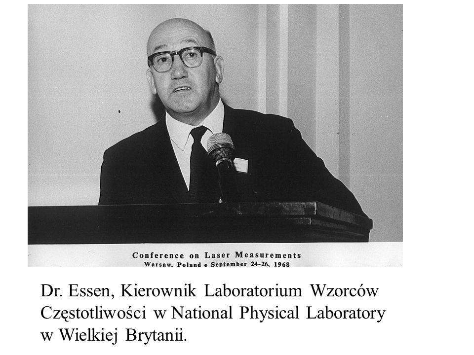 Dr. Essen, Kierownik Laboratorium Wzorców Częstotliwości w National Physical Laboratory w Wielkiej Brytanii.