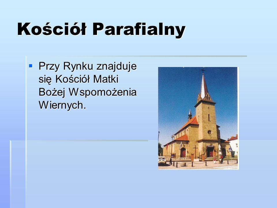 Pieta Ołtarz główny stanowi harmonijne połączenie historii współczesności.