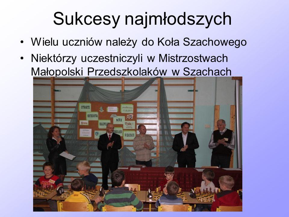 Sukcesy najmłodszych Wielu uczniów należy do Koła Szachowego Niektórzy uczestniczyli w Mistrzostwach Małopolski Przedszkolaków w Szachach