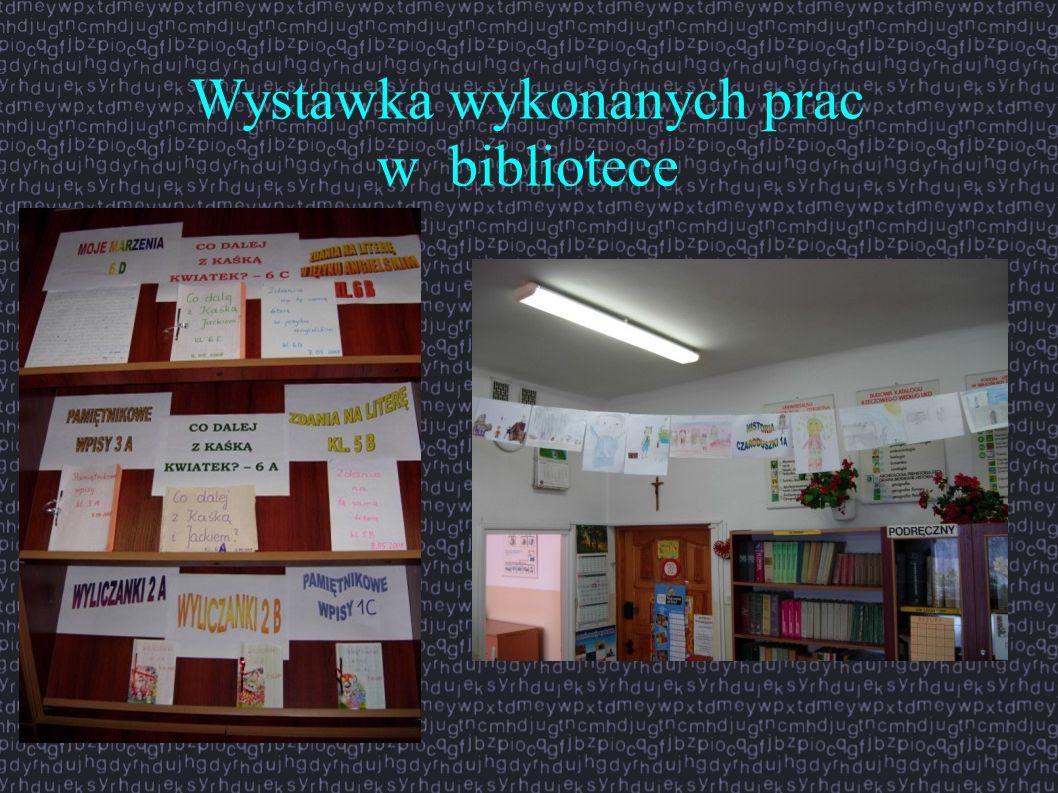 Wystawka wykonanych prac w bibliotece
