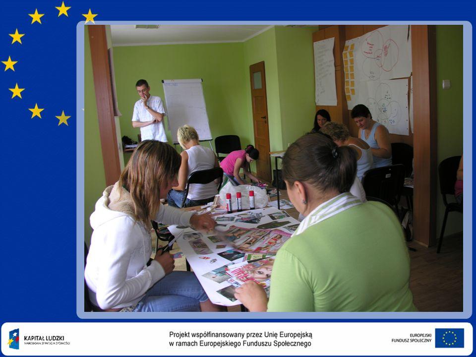 Szkolenie z zakresu obsługi kas fiskalnych Program szkolenia zrealizowany został w trakcie 16 godzin szkoleniowych i objął następujące zagadnienia: -Organizacja miejsca pracy i odpowiedzialność materialna pracowników handlu.