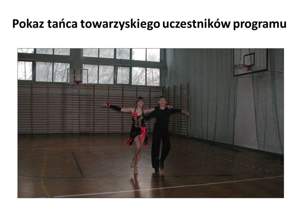 Pokaz tańca towarzyskiego uczestników programu