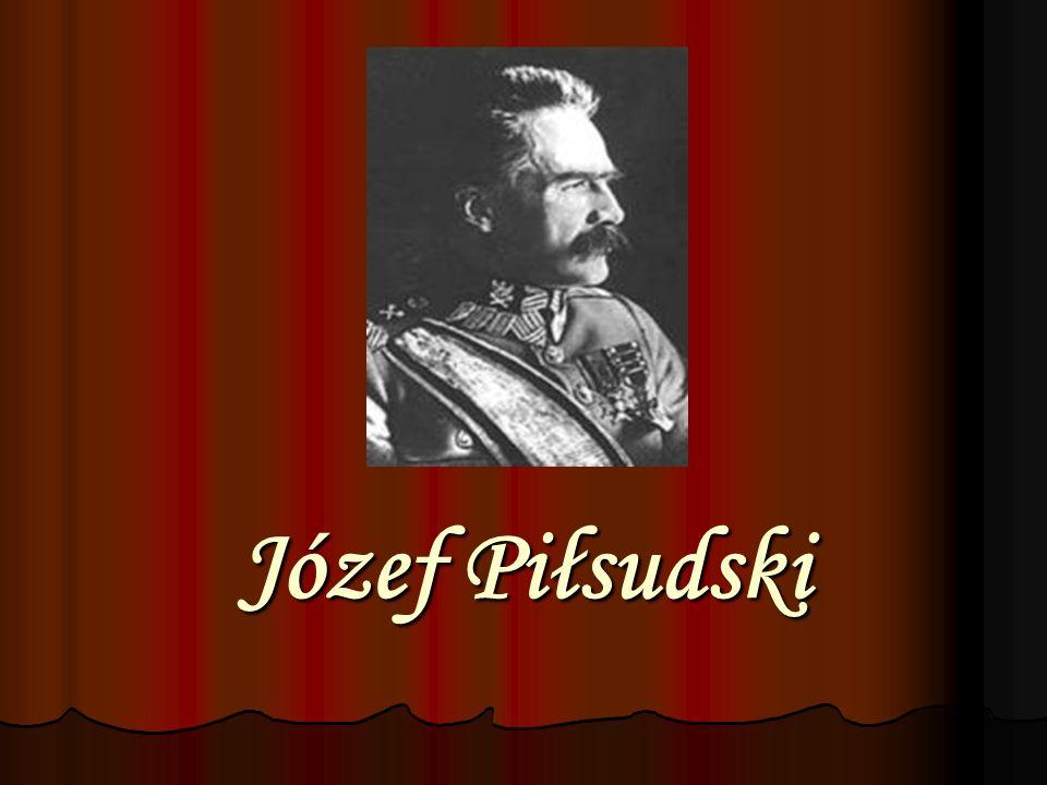 Urodzony 5 grudnia 1867 w Zułowie w powiecie święciańskim na Wileńszczyźnie w rodzinie szlacheckiej.