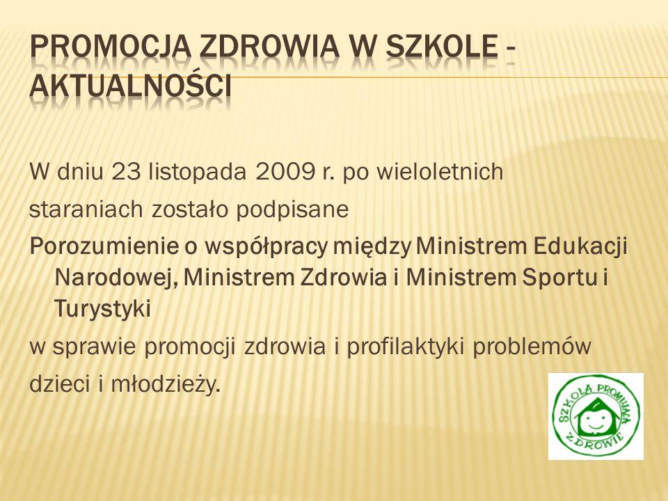 Pyt.1 Edukacja zdrowotna realizowana jest: A- na wydzielonych lekcjach wf B- na zajęciach wielu przedmiotó w C- na godzinach wychowawc zych D – w trakcie imprez szkolnych na ten temat E – wycieczki szkolne F – zielone szkoły Gimnazjum (gim) 248327 340 168595 Szkoła ponadgimnazja lna (pg) 4591 96 53182 Przedszkole (pp) 1458 13 54534 Szkoła podstawowa (sp) 278683 621 40118822 suma5851159107067631833