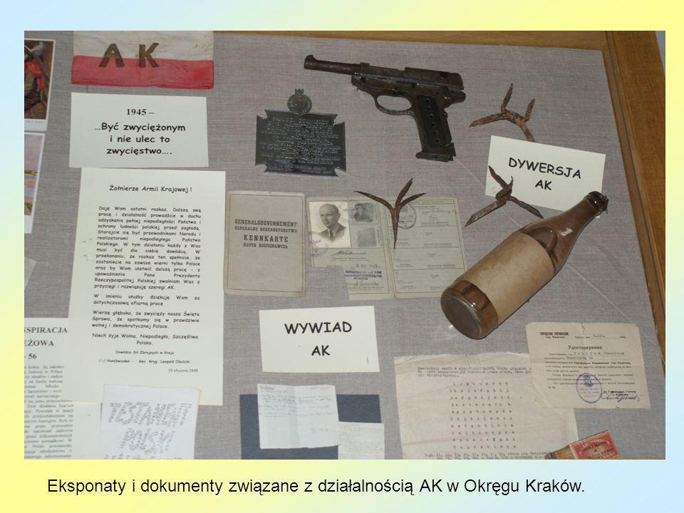 Eksponaty i dokumenty związane z działalnością AK w Okręgu Kraków.