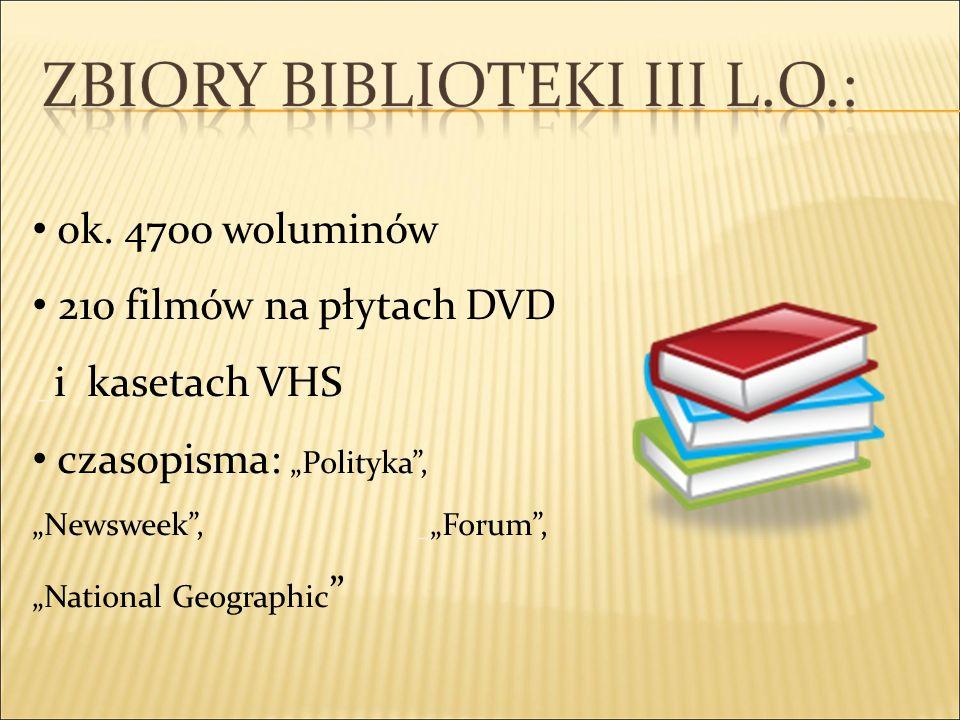 ok. 4700 woluminów 210 filmów na płytach DVD _i kasetach VHS czasopisma: Polityka, Newsweek, _Forum, National Geographic