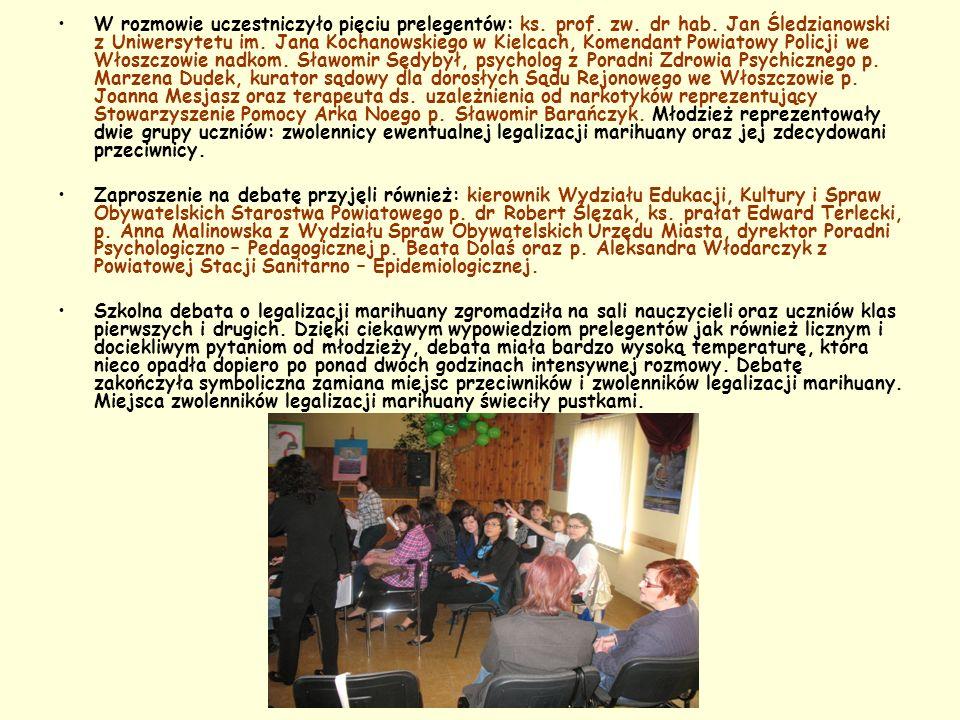 W rozmowie uczestniczyło pięciu prelegentów: ks. prof. zw. dr hab. Jan Śledzianowski z Uniwersytetu im. Jana Kochanowskiego w Kielcach, Komendant Powi
