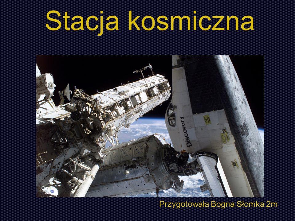Sztuczny satelita Ziemi Ludzie mogą na niej mieszkać wiele tygodni Nie posiada systemu napędowego Lądownik jest oddzielony od stacji Stacja kosmiczna (orbitalna)