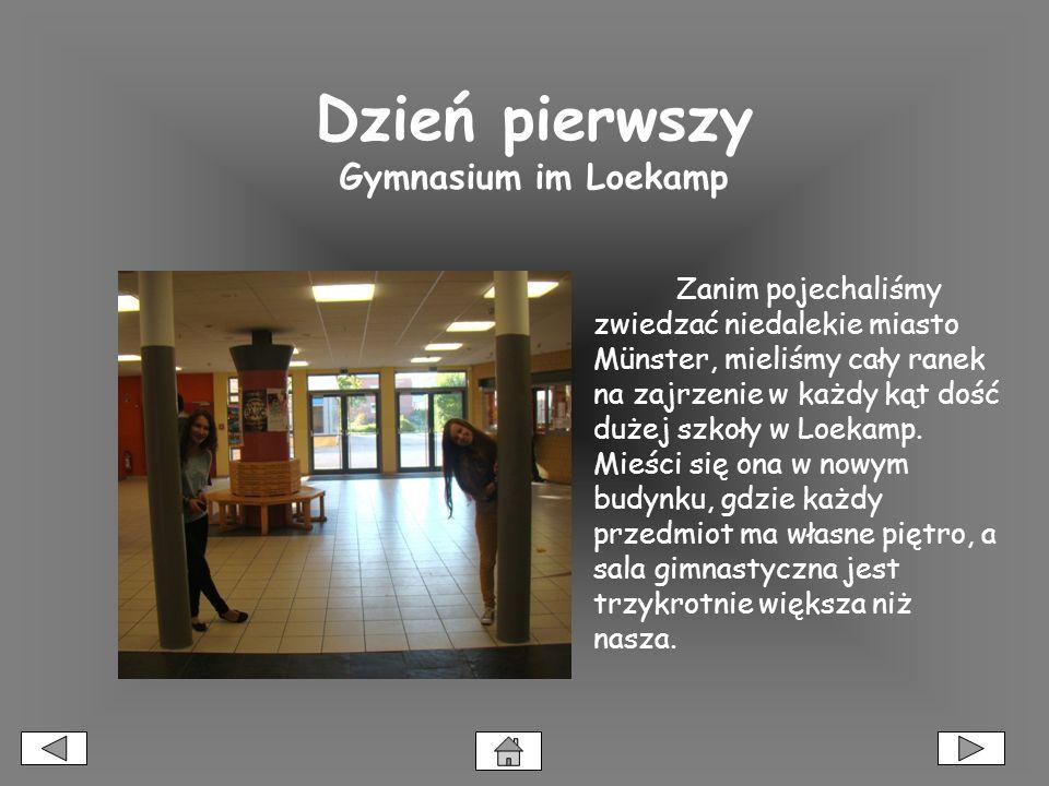 Dzień pierwszy Gymnasium im Loekamp Zanim pojechaliśmy zwiedzać niedalekie miasto Münster, mieliśmy cały ranek na zajrzenie w każdy kąt dość dużej szkoły w Loekamp.