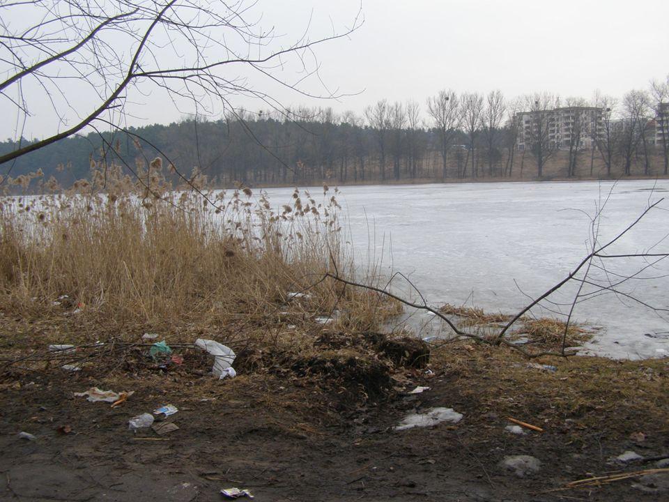 W celu uzyskania informacji na temat Jeziora Długiego rozmawialiśmy z panem: Mieczysławem Jawłonowskim, który mieszka w jednym z domków jednorodzinnych w pobliżu omawianego zbiornika wodnego już od około 70 lat.