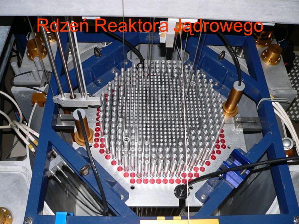 Elektrownia Jądrowa Elektrownia jądrowa – obiekt przemysłowo-energetyczny (elektrownia cieplna), wytwarzający energię elektryczną poprzez wykorzystanie energii pochodzącej z rozszczepienia jąder atomów, najczęściej uranu (uranu naturalnego lub nieco wzbogaconego w izotop U-235), w której ciepło konieczne do uzyskania pary, jest otrzymywane z reaktora jądrowego.elektrownia cieplnaenergię elektrycznąenergii rozszczepienia jąder atomówuranu izotopciepłoparyreaktora jądrowego Pierwsza elektrownia jądrowa, o mocy 5 MW powstała w 1954 r.