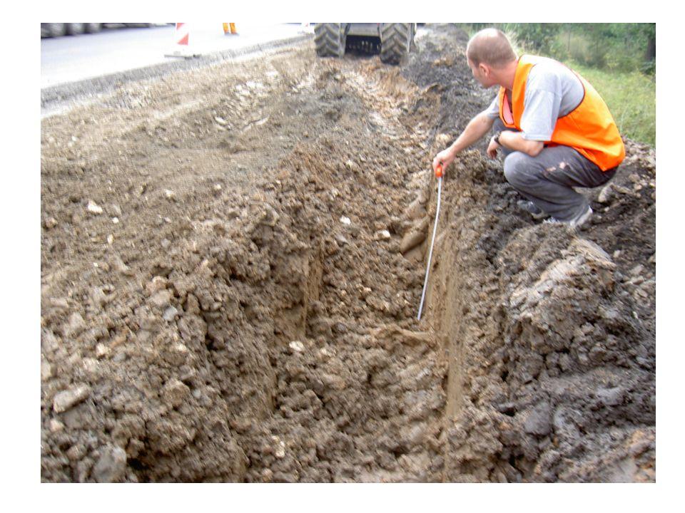 RACJONALNA TECHNOLOGIA WZMACNIANIA PODŁOŻA GRUNTOWEGO Podłoże gruntowe dla nawierzchni drogowej, to jak fundament dla budynku.