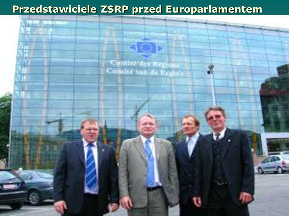 Przedstawiciele ZSRP przed Europarlamentem