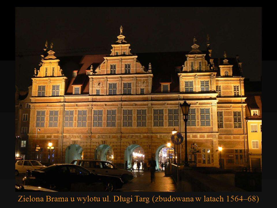 Złota Kamienica wzniesiona w latach 1609-1618. Płaskorzeźby są pokryte złotem. Temida?