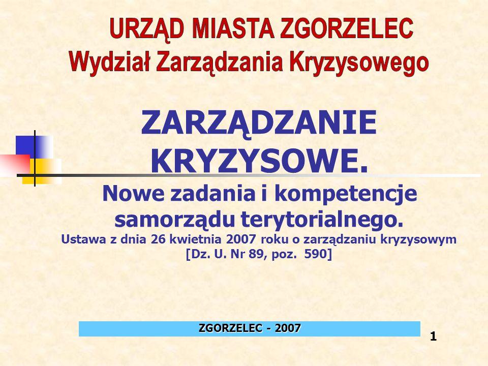 Stale modernizowane Centrum Zarządzania Kryzysowego wyposażone jest w nowoczesne, niezależnie działające systemy łączności i ostrzegania: system łączności przewodowej (telefonicznej i faksowej) - dla zapewnienia sprawnej łączności CZK z centrami dowodzenia: KP Policji, KP PSP, WCZK, W Sz W, WKU, JW BOLESŁAWIEC i ŚWIĘTOSZÓW.