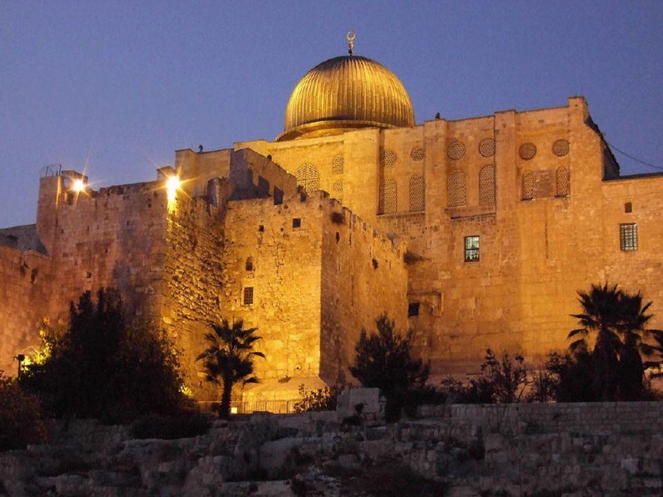 Modły w Noc Przeznaczenia (Laylat al Qadr).