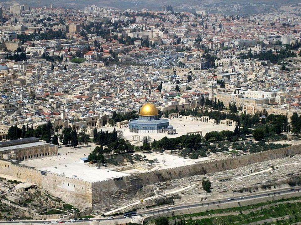 Kopuła na Skale - jedno z najważniejszych muzułmańskich sanktuariów, położone na Wzgórzu Świątynnym w Jerozolimie.