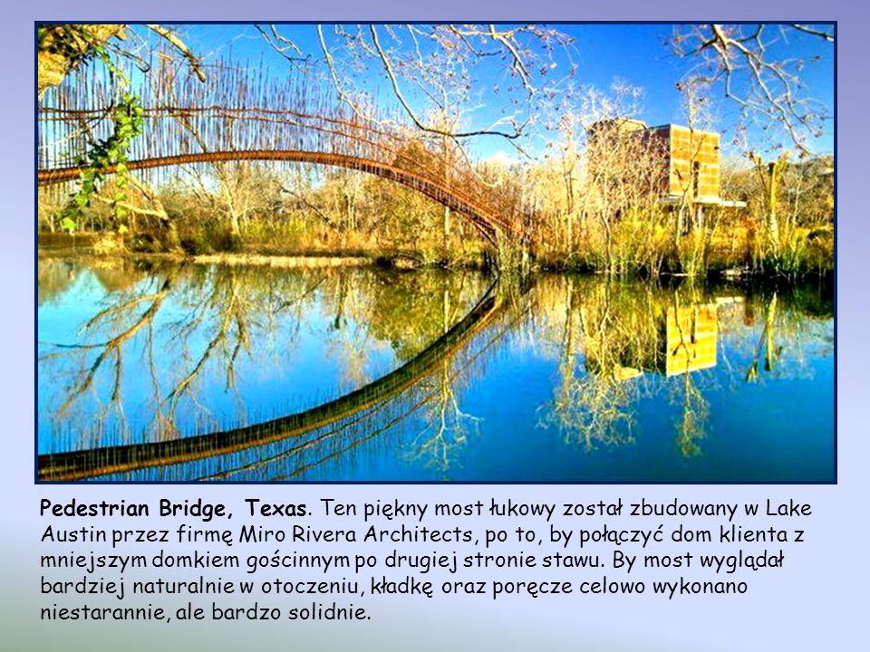 Rolling Bridge,Londyn.Most zwijany Most ma długość 12 m.