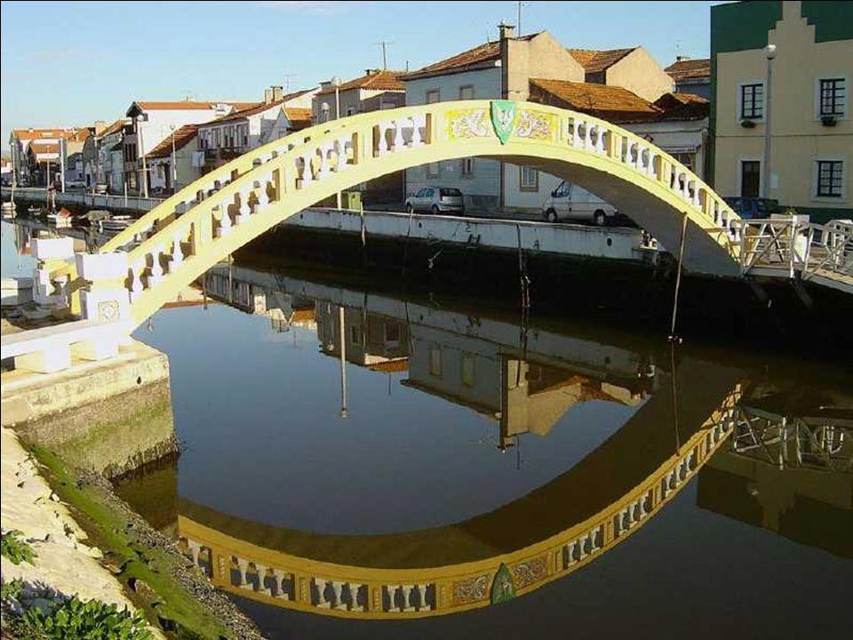 Aveiro nazywane jest Wenecją Portugalii