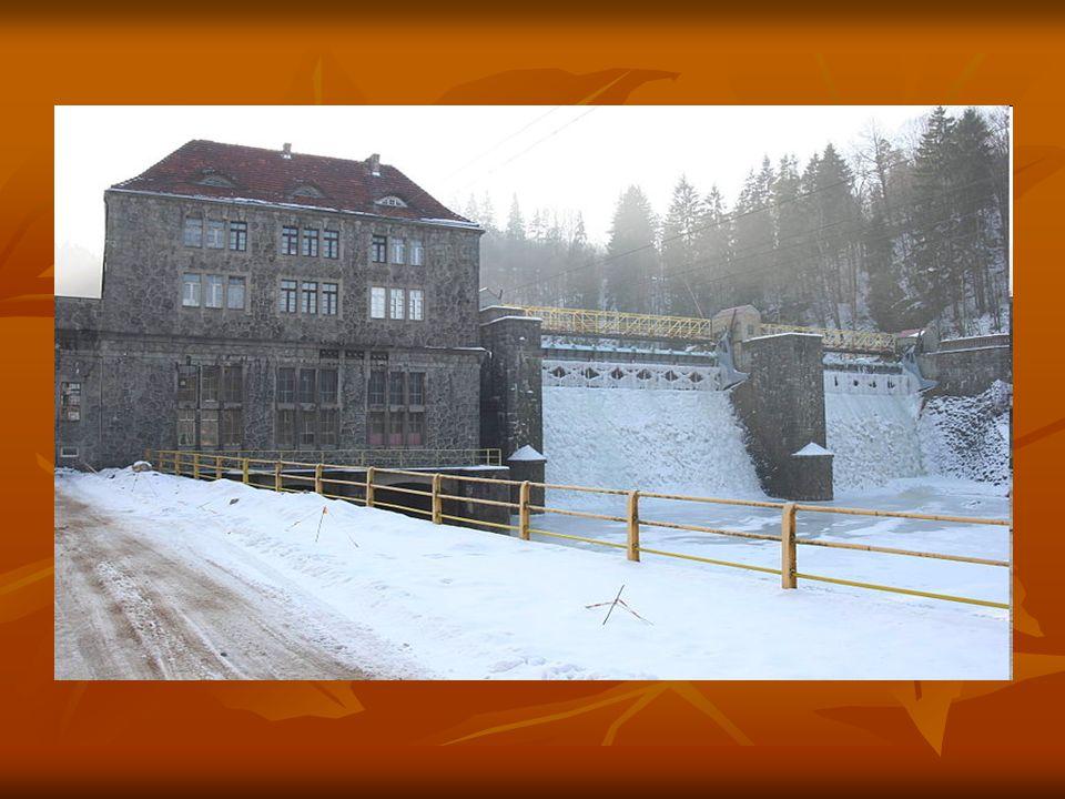 Elektrownia Wodna Bobrowice I Elektrownia wodna zaliczna do klasy MEW o łącznej mocy 2 MW, powstała w latach 1924-1925 na rzece Bóbr w okolicy Jeleniej Góry.