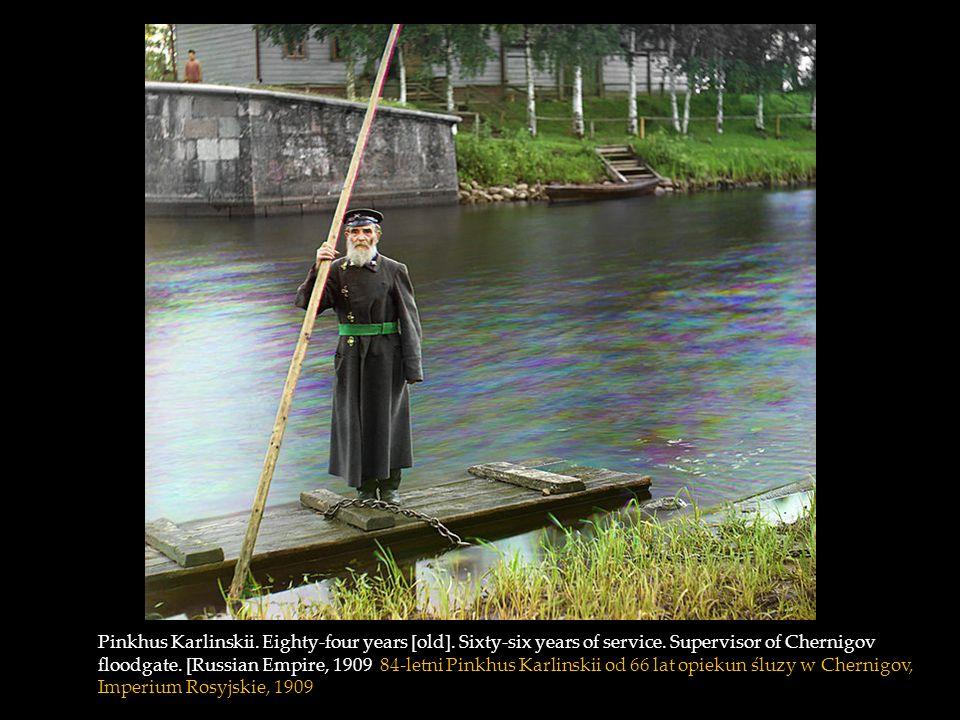 View of Suzdal along the Kamenka River, Russia 1910 Widok na Suzdal wzdłuż rzeki Kamienka, Rosja 1910
