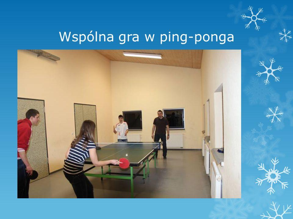 Wspólna gra w ping-ponga