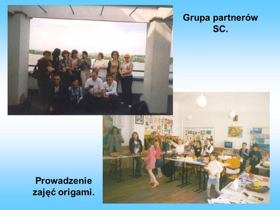 Nauka tańca do utworu Kukułeczka. Taniec uczennic naszej szkoły dla kolegów z Rumunii.