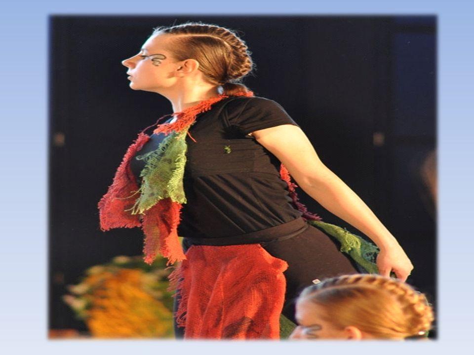 15-latka uczęszczająca do strykowskiego gimnazjum Moją pasją jest taniec.