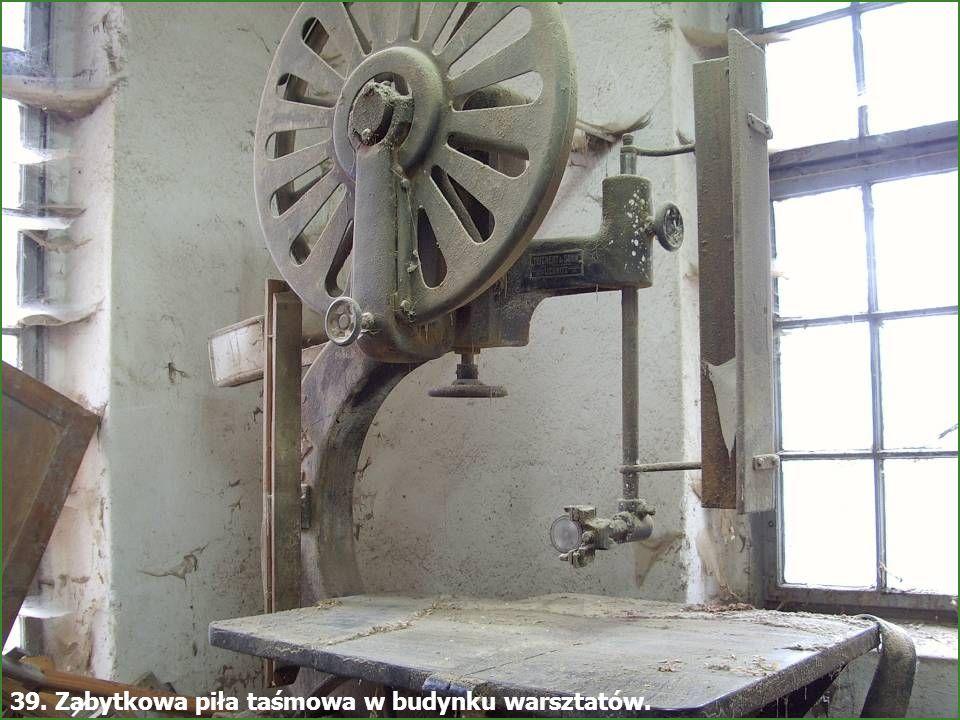 - Młyn Śmiałowice - 49 37. Podstawka na zestaw narzędzi firmy MIAG pochodząca z lat 20-tych XX w.