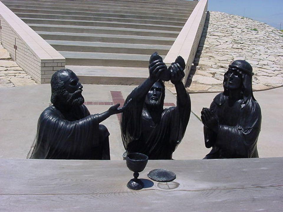 Jezus Chrystus Mamy tutaj fotografie rzeźb w metalu o ukrzyżowaniu Pana Jezusa. Te rzeźby znajdują się w Amarillo, Texas. Krzyże również zrobione są z