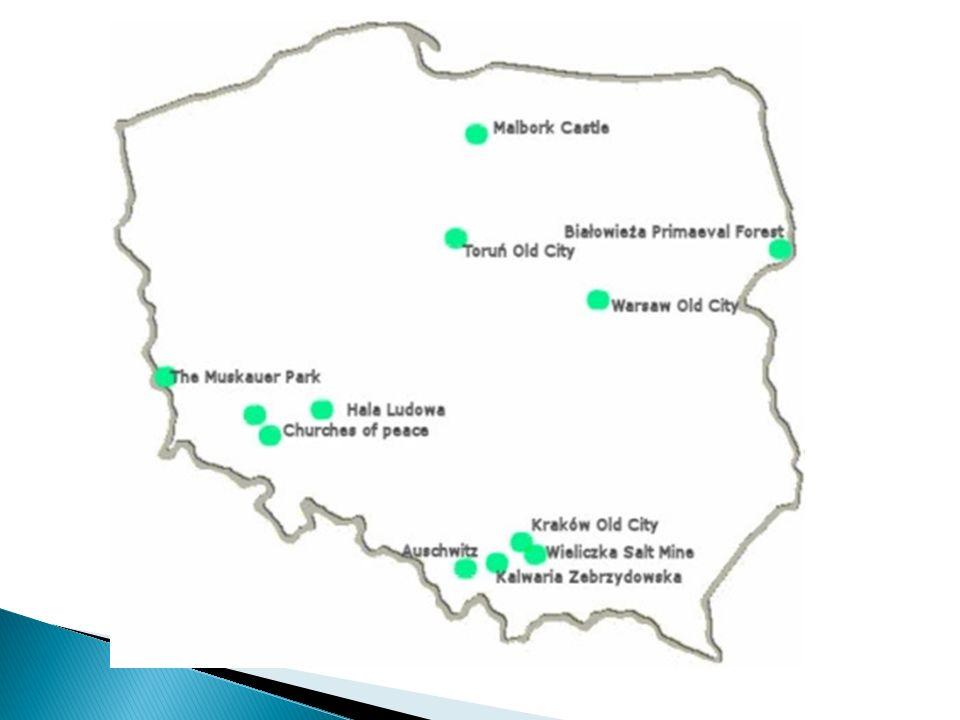 Miasto zostało założone w XVI wieku przez kanclerza Jana Zamoyskiego, na szlaku handlowym łączącym Europę Zachodnią i Północną z Morzem Czarnym.