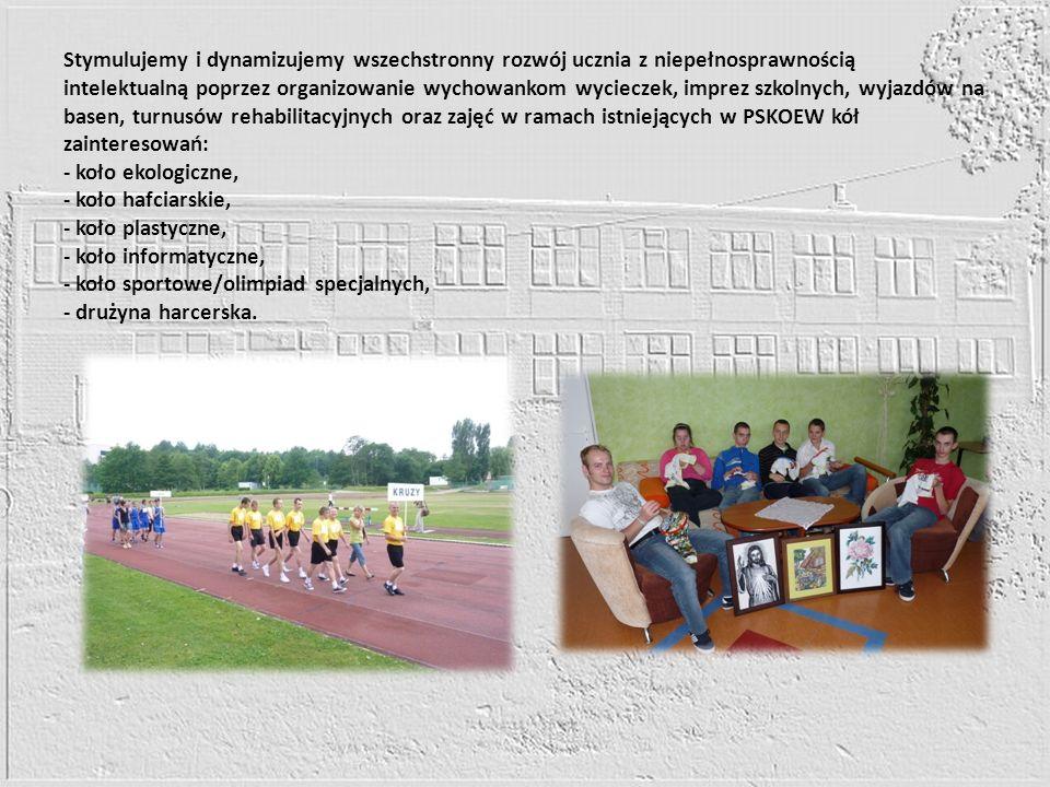 Stymulujemy i dynamizujemy wszechstronny rozwój ucznia z niepełnosprawnością intelektualną poprzez organizowanie wychowankom wycieczek, imprez szkolny