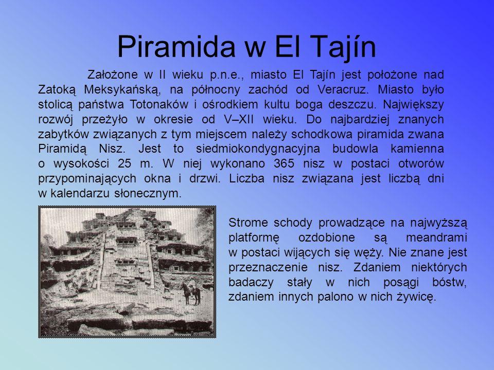 Budowle wzniesione na terenie Teotihuacanu powstały bez użycia metalowych narzędzi. Dwie piramidy: Piramida Słońca o długości podstawy 225 m x 207 m i