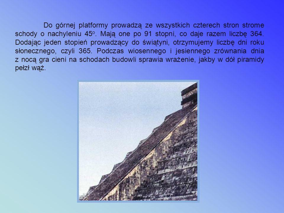 Wielka Piramida Kukulkana Wielka Piramida zwana przez Hiszpanów Zamkiem jest centralnie położonym obiektem miasta Chichen Itza, założonym w V wieku n.e.