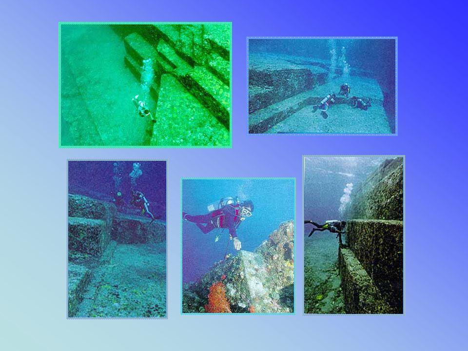 JAPOŃSKIE PIRAMIDY POD WODĄ Niesamowitą sensację wywołały dokonane w połowie lat 80-tych i 90-tych XX wieku odkrycia piramid znajdujących się obecnie pod wodą.