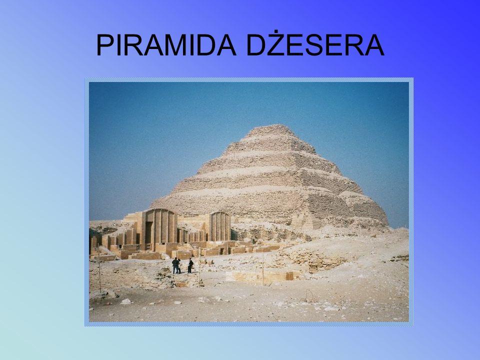 PIRAMIDA DŻESERA