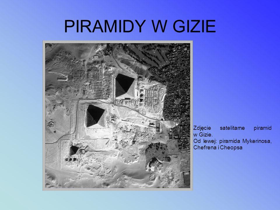 Południowa strona piramidy Piramida w Dahszur w Egipcie, zwana dziś Czerwoną Piramidą (lub Północną), została wybudowana przez władcę starożytnego Egi