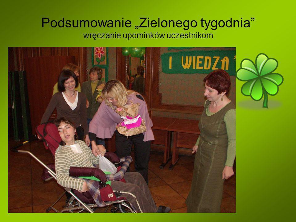 Podsumowanie Zielonego tygodnia wręczanie upominków uczestnikom