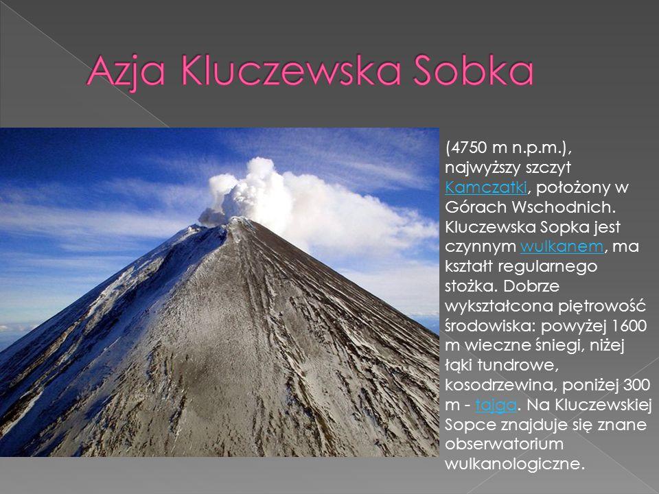 (4750 m n.p.m.), najwyższy szczyt Kamczatki, położony w Górach Wschodnich. Kluczewska Sopka jest czynnym wulkanem, ma kształt regularnego stożka. Dobr